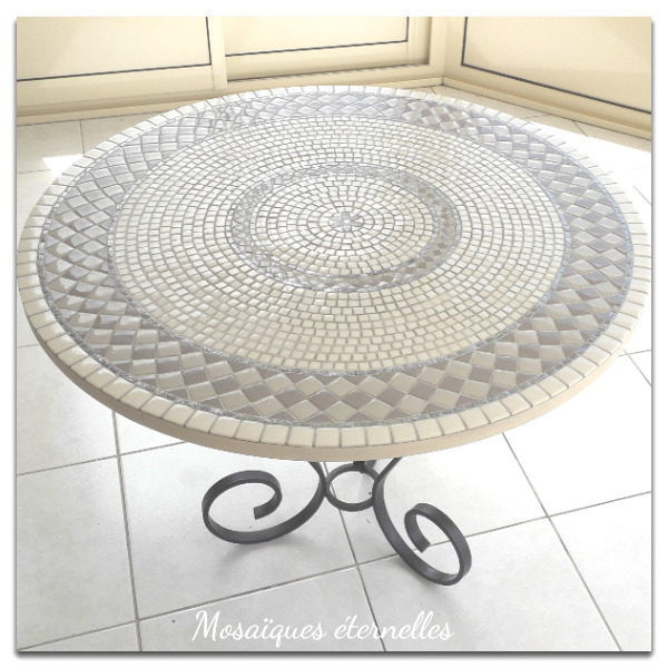 Table mosaique ronde